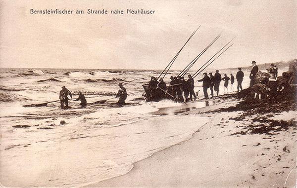 Bernsteinfischer am Strande Neuhauser