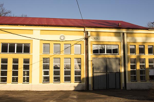 Черняховск_Бывшее троллейбусное депо_улица Железнодорожная_2015