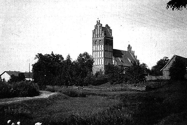 Die Ordenskirche in Gross Engelau 1944