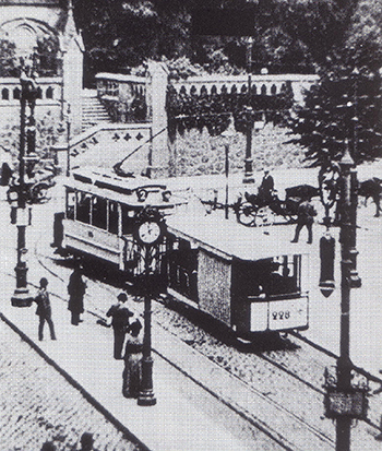 Koenigsberg Kaiser-Wilhelm-Platz Strassenbahn Linie 2 mit Sommer-Bw 228