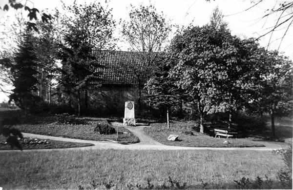 Denkmal Ulanen Regiment N 8 Graf zu Dohna