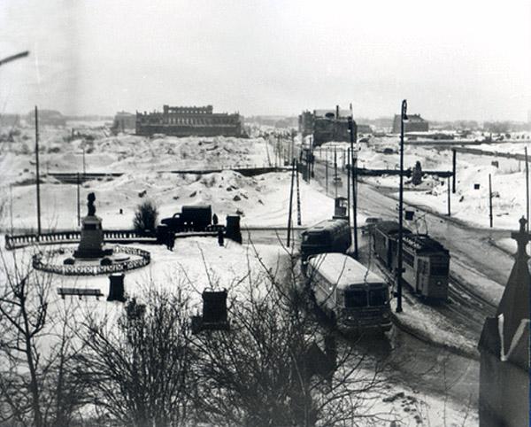 Kaiser-Wilhelm-Platz mit Kneiphof und die Boerse