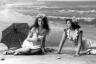 История пляжного отдыха в открытках и не только