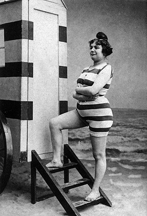 woman wirh bathing-machine
