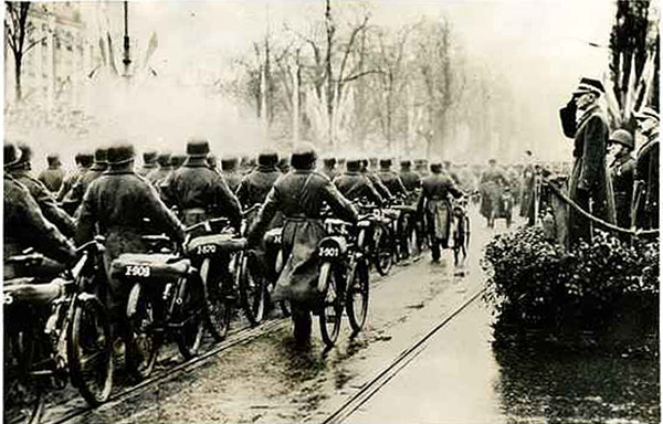 Polish military cyclists