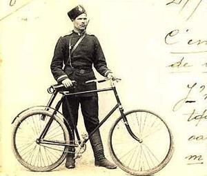 Солдат на самокате, или двухколёсная пехота