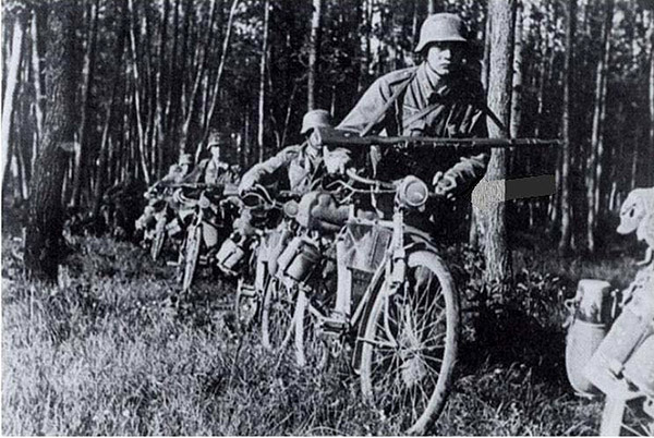 wehrmacht cyclists in forest