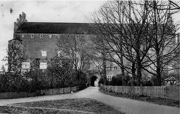 barten-schloss-einfahrt-1935