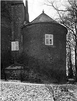barten-schloss-nordostecke-rundturm